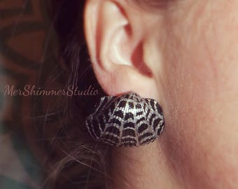 Spiderweb shell earrings (Limited Edition)