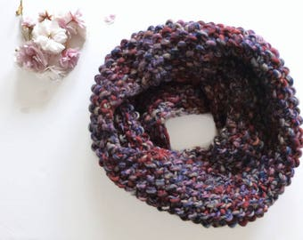Multicolored knitted cowl