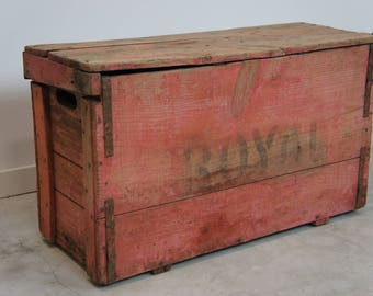 Rustic Red 'ROYAL' Trunk
