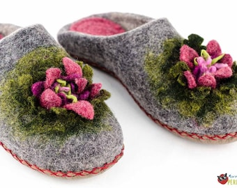 Felted slippers in eco style | Pink flowers grey woolen clogs | Unique slippers | Home shoe womens