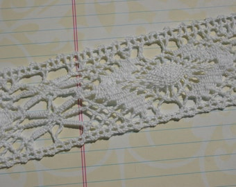 "White Cluny Lace - Galloon Crochet Trim - Open Weave Alternating Flower Pattern No 5 - 1 3/4"" Wide - 3 Yards"