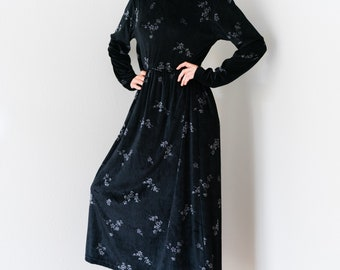 Vintage 90s Grunge Oversized Black Mini Floral Print Cozy Velvet Rayon Liz and Co. Claiborne Long Sleeve Floor Maxi Length Dress Small S