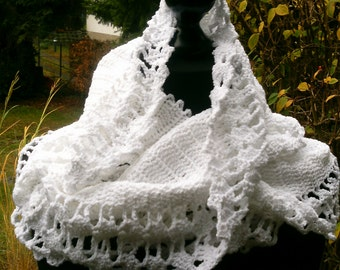 Crochet loop scarf, white, boucle wool