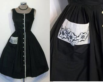 Heartbreaker 1950s cotton full skirted day dress w/organdie contrast, applique, waist 24 1/2""