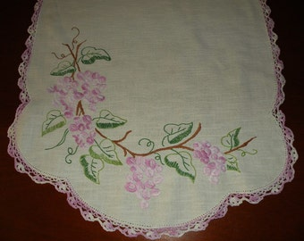 Embroidered Grapevine Table Runner