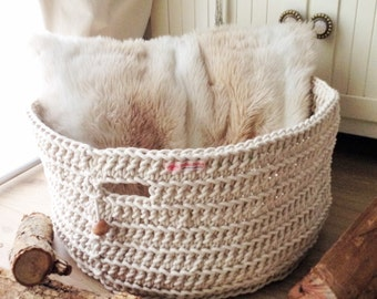 Round cotton rope basket is adding freshness and exceptional storage for your home