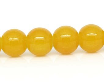 Set of 10 yellow 8mm round glass beads
