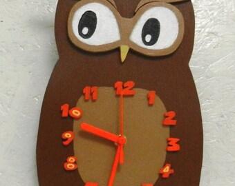 Kids wall clock owl