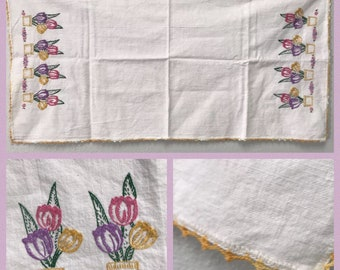 """Vintage Hand Embroidered Table Runner Tulips Spring Flowers 31.5"""" x 16"""""""