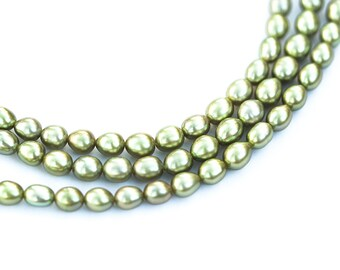 1146 Freshwater pearls 5 mm Rice pearls Pastel green pearls Pearl beads Natural pearls Real pearls Beads pearls Cultured pearls.