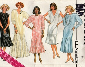 Misses Dress, Loose Fitting and Straight, Five Styles, Butterick 3579 Sewing Pattern, Size 8, Uncut Vintage