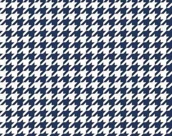 Navy Medium Houndstooth by Riley Blake Designs. Perfect for quilts, nursery, or baby. Navy Blue 100% cotton. C970-21