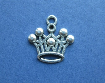 10 Crown Charms - Crown Pendants - Princess Charm - Princess Crown Charm - Antique Silver - 18mm x 18mm -- (No.46-10578)