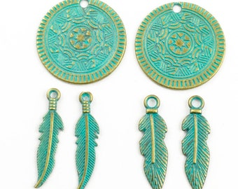 6 feather and dreamcatcher charms gold tone  and green patina,25mm #CH 584