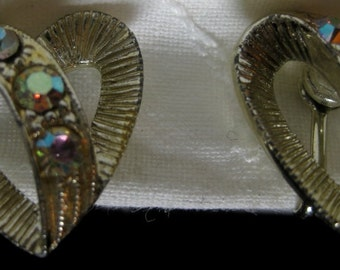 Vintage Screw Back Heart shaped Earrings, Aurora Borealis Rhinestones