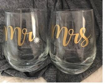 Wedding Mr. and Mrs. Drinking Glasses, Mr. & Mrs., wedding gift, wedding day, glasses, drinks, gift, bride, groom, beverage