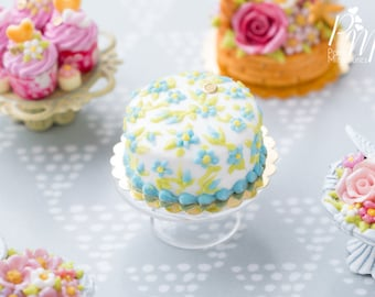 MADE TO ORDER - Classic 'Forget-Me-Not' Hand-piped Cake - Miniature Food in 12th Scale for Dollhouse