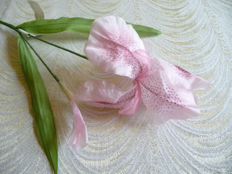 Sale Vintage Iris And Bud Blush Pink Silk Millinery Flowers