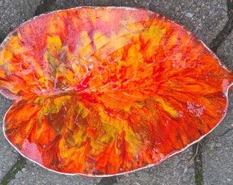 Beautiful variegated Leaf Dish