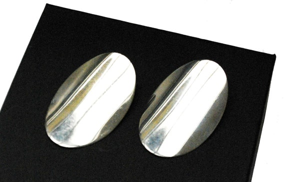 Sterling Silver Oval  Earrings - clip on - Signed Italy  - oval disk