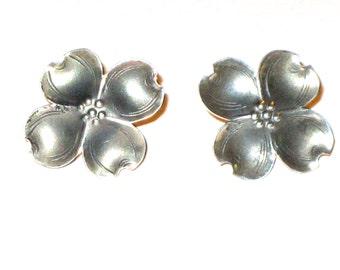 Vintage sterling silver Nye dogwood flower earrings 60s screw back floral earrings