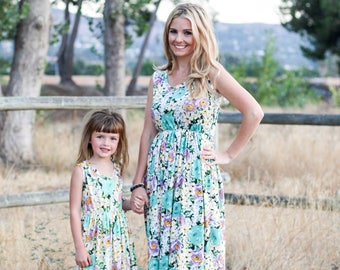 floral maxi,mommy and me outfits, mommy and me,matching outfits, matching dresses, mommy and me dress, mommy and me maxi dress, mom and baby