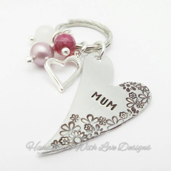 Personalized keychain Mum / Mom Heart and flowers Mothers Day design, hand stamped metal patterned keyring, with semi precious beads,