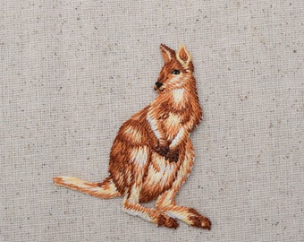 Kangaroo - Zoo Animal - Australian Outback - Iron on Applique - Embroidered Patch - 155469