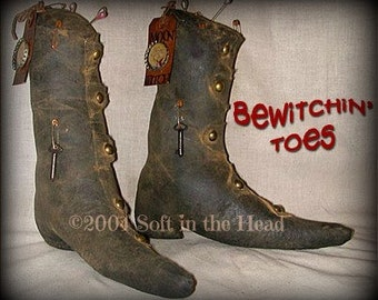 Bewitchin' Toes Primitive Witch Shoes E Pattern