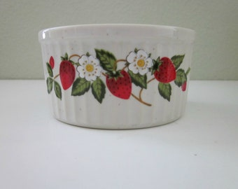 Vintage ONE Sheffield Strawberries N Cream Stoneware Ramekin - Made in Japan - Custard, Dessert or Pudding Cup - Vintage Country Kitchen