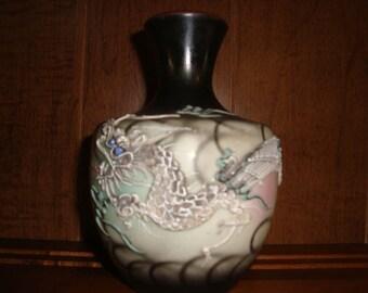 Moriage Vase  Dragonware
