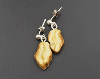 2.3g. Natural Baltic Amber Earrings
