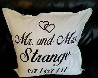 Wedding gift throw pillow.  Wedding gift.  Personalized pillow.  Wedding date Mr. And Mrs.