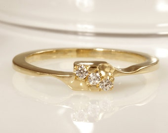 Diamonds Ring, Stackable Solitaire Ring, Engagement ring, Gold Solitaire Ring, Solitaire Diamonds Ring, Delicate Ring, Promise Ring, RS-1180