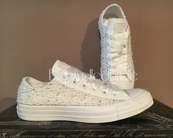 Gorgeous white wedding converse with pearl and swarovksi crystal, all sizes available.