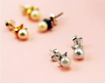 Bridesmaid! Handmade Sterling Silver 'Kitty Meow' Cat Earrings with pearls