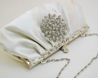 Wedding Clutch, Ivory Bridal Handbag, Bridal Clutch, Large Round Crystal Brooch Clutch, Elegant Ivory Clutch, Ivory Crystal Evening Clutch