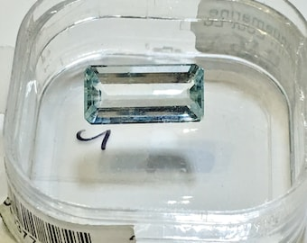 4.05 cts. Aquamarine Emerald Cut - Appraised by GIA Certified Gemologist Valued At 1,200.00 Dollars