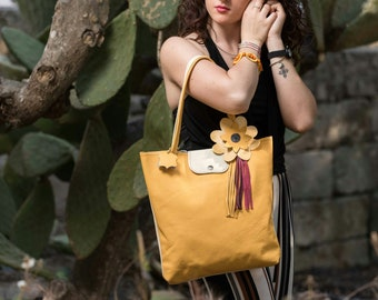 Big two-tone bag in real leather with floral application