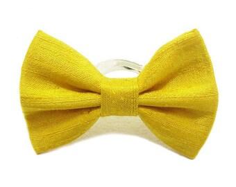 Ring bow tie, silk, lemon yellow.