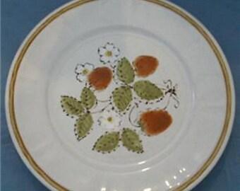 "Hearthside Stoneware ""Berries 'n Cream"" 10.5"" Dinner Plate"