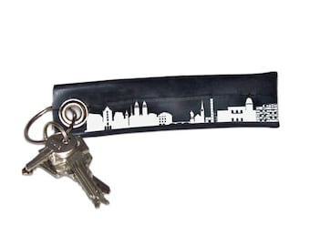 ZURICH keychain vegan , keyring Zurich skyline, key ring upcycled bicycle tire inner tube, vegan green gift, unique Zurich gift, 44spaces