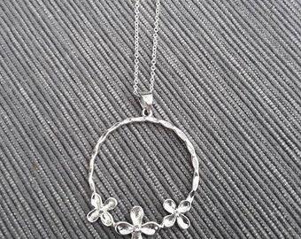 three flower hoop pendant