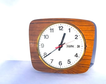 Vintage French Wall Clock Formica/ Working condition/ Seventies Retro French Home Decor / French Clock