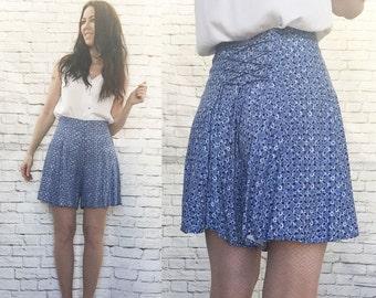 Vintage 90s High Waist Lace-Up Cinch Back Shorts Skort Blue Ethnic Print XS S