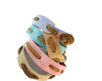 Brown Leather and Suede Bracelet Pastel, Woven Band Bracelet Suede Jewelry for Friendship, Suede and Leather Jewelry Knotted Clasp Design