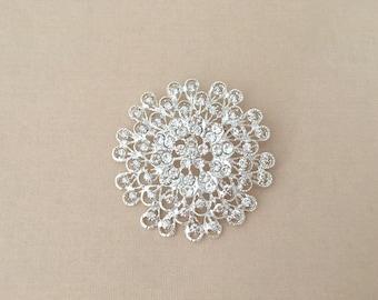 Rhinestone Flower Brooch.Silver Flower Brooch.Silver rhinestone flower pin.wedding accessory.vintage style.Silver broach.Bridal brooch pin