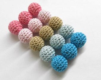 Crocheted beads 18mm handmade round pink blue cream, 15 pc.