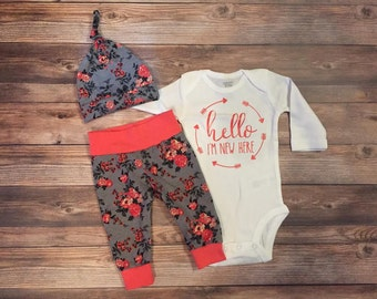 Hello I'm New Here Coral and Gray Floral Newborn Outfit, Hello world, coming home outfit, baby girl outfit, baby girl leggings and hat