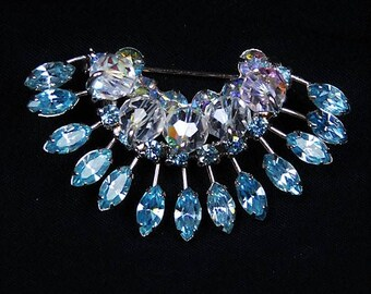 Rhinestone Brooch / Mid Century / Wedding Fashion